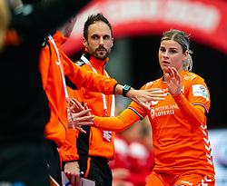 Coach Emmanuel Mayonnade of Netherlands, Angela Malestein of Netherlands in action during the Women's EHF Euro 2020 match between Croatia and Netherlands at Sydbank Arena on december 06, 2020 in Kolding, Denmark (Photo by RHF Agency/Ronald Hoogendoorn)