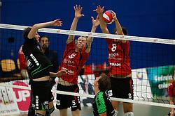 20161029 NED: Eredivisie, Vallei Volleybal Prins - Advisie SSS: Ede<br />Dwin Brouwer of Advisie SSS, Felix Meuer, Chris Ogink of Vallei Volleybal Prins <br />©2016-FotoHoogendoorn.nl / Pim Waslander