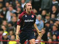 Boudewijn Zenden (Middlesbrough) celebrates scoring the 1st goal. Aston Villa v Middlesbrough. 8/11/2003. Credit : Colorsport/Andrew Cowie.
