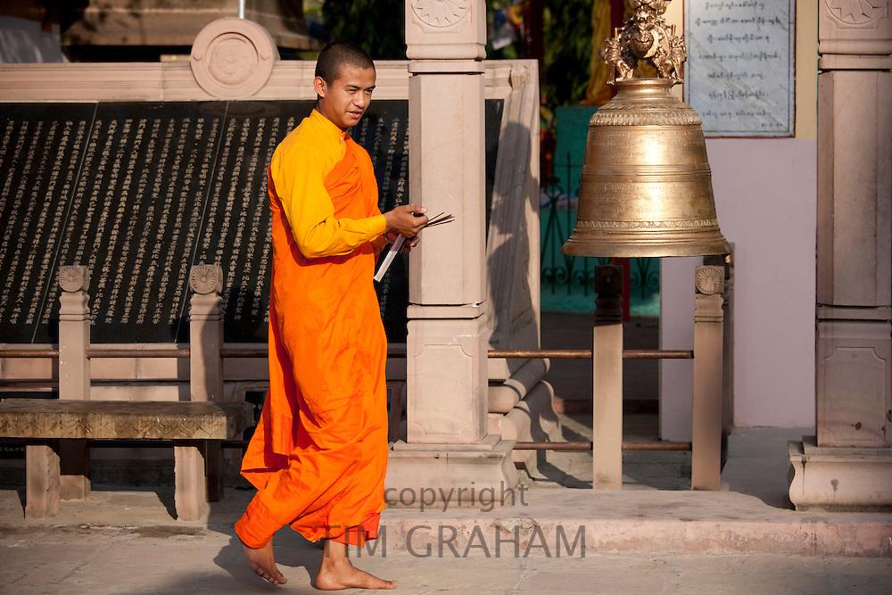 Buddhist monk at Sri Lankan Buddhist Temple, Mulagandhakuti Vihara, near Varanasi, Benares, Northern India