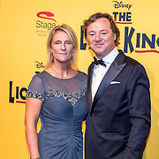 NLD/Scheveningen/20161030 - Premiere musical The Lion King, Frits Sissing en partner Willemijn