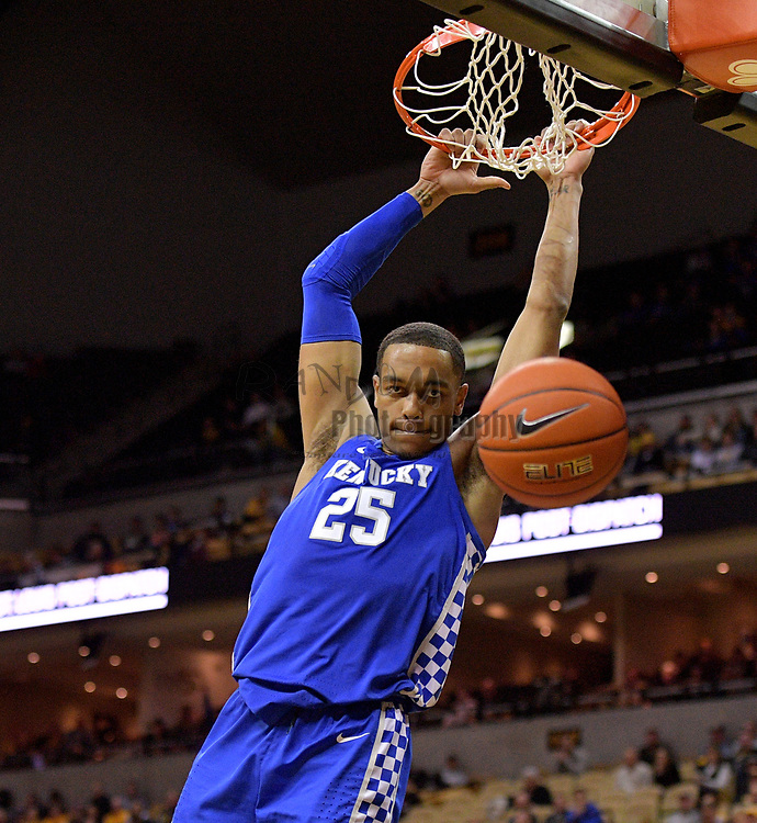 Feb 19, 2019; Columbia, MO, USA; Kentucky Wildcats forward PJ Washington (25) dunks the ball during the game against the Missouri Tigers at Mizzou Arena. Mandatory Credit: Denny Medley-USA TODAY Sports