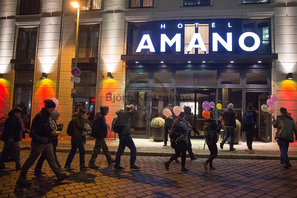 Berlin, Germany - 22.11.2016<br /> <br /> Housing protest in Berlin-Mitte. Around two dozen activists run into the foyer of the Amano hotel to protest for affordable housing. The hotel owner is also the owner of the Cuvry-site  in Berlin-Kreuzberg. Before the arrival of the police, the demonstrators concluded their protest left the hotel.<br /> <br /> Wohnraum-Protest in Berlin-Mitte. Rund zwei dutzend Aktivisten stuermten das Foyer des Amano-Hotel um fuer bezahlbaren Wohnraum zu protestieren. Der Hotelbesitzer ist auch der Eigentuemer des Cuvry-Brachen Grundstuecks in Berlin-Kreuzberg. Vor dem Eintreffen der Polizei beendeten die Demonstranten ihre Protestaktion und verließen freiwillig das Hotel. <br /> <br /> Photo: Bjoern Kietzmann