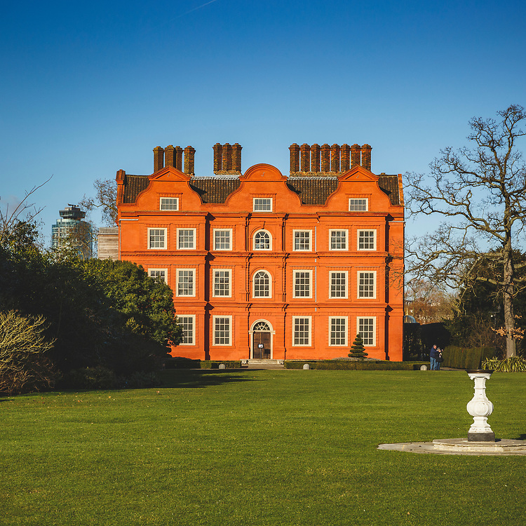 Kew Palace. Built in 1631 and later became the summer home of King George III, one of the lesser known royal residences in London. #englishheritage
