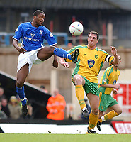 PICTURE BY DANIEL HAMBURY/SPORTSBEAT IMAGES<br />Nationwide Football League Division One    6/3/04<br /><br /><br />NORWICH V IPSWICH<br /><br />Norwich City's Malkyn Mackay and Ipswich Town's Darren Bent