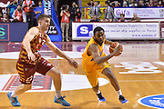 DESCRIZIONE : Venezia Lega A 2015-16 Umana Reyer Venezia - Manital Torino<br /> GIOCATORE : Ian Miller<br /> CATEGORIA : Palleggio<br /> SQUADRA : Umana Reyer Venezia - Manital Torino<br /> EVENTO : Campionato Lega A 2015-2016 <br /> GARA : Umana Reyer Venezia - Manital Torino<br /> DATA : 31/01/2016<br /> SPORT : Pallacanestro <br /> AUTORE : Agenzia Ciamillo-Castoria/M.Gregolin<br /> Galleria : Lega Basket A 2015-2016  <br /> Fotonotizia :  Venezia Lega A 2015-16 Umana Reyer Venezia - Manital Torino