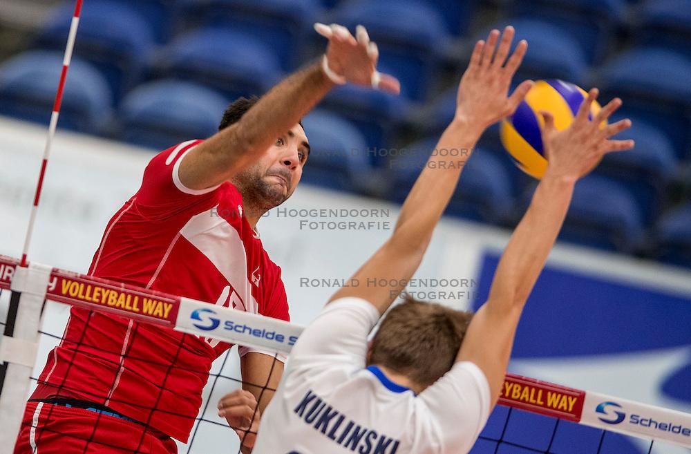 23-09-2016 NED: EK Kwalificatie Turkije - Wit Rusland, Koog aan de Zaan<br /> Turkije had het vrij lastig in de eerste wedstrijd tegen Wit Rusland maar blijven meedoen voor het EK ticket / Kadir Cin