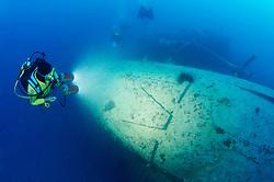 Schiffswrack Rosalie Moller (faelschlicherweise oftmals Moeller genannt) und Taucher am Schiffs Wrack, Shipwreck Rosalie Moller and Scuba diver on ship wreck, Rotes Meer, Ägypten, Red Sea Egypt
