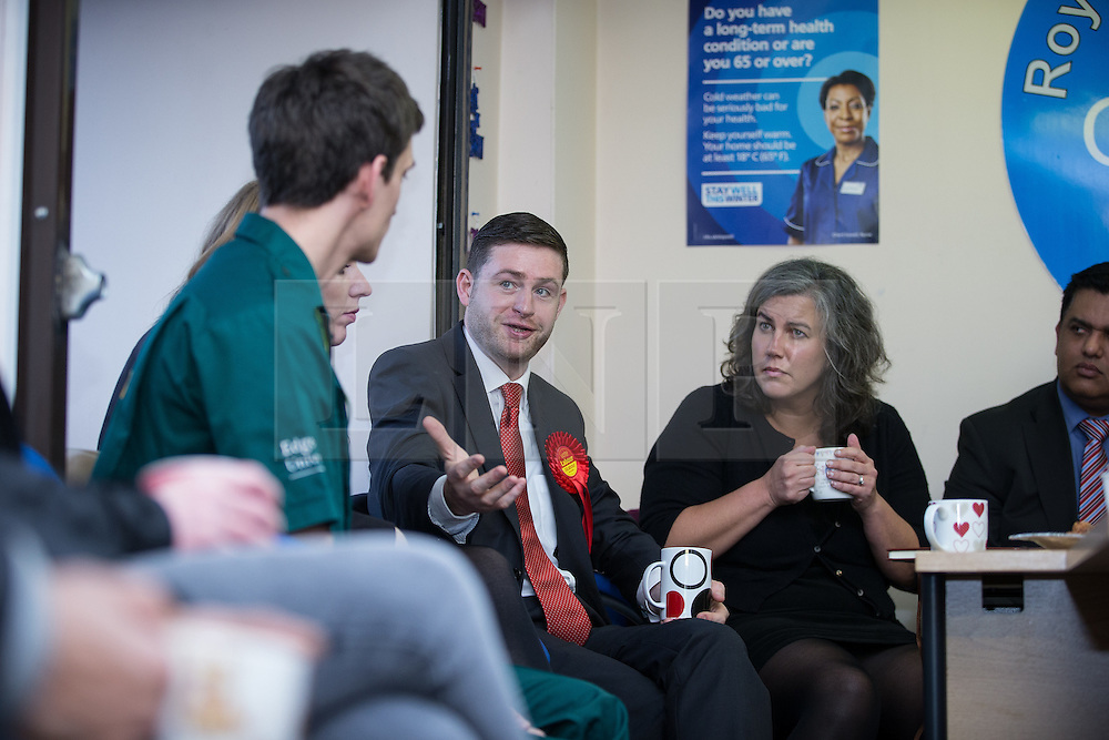 © Licensed to London News Pictures . 01/12/2015 . Oldham , UK . Labour Shadow Health Secretary HEIDI ALEXANDER (2nd right) and candidate JIM MCMAHON (c) at Royton Medical Centre in Oldham , meeting patients , as part of Labour's campaign for the seat of Oldham West and Royton , following the death of sitting MP Michael Meacher . Photo credit : Joel Goodman/LNP