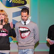 NLD/Hilversum/20121207 - Skyradio Christmas Tree, Daphne Deckers en Fred van Leer en Marleen Sahulpala
