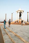 India, Tamil Nadu, pondicherry, Mahatma Gandhi Memorial statue on the beach, in commemoration of his salt march to this beach