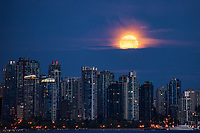 Moonset above Vancouver Skyline