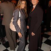 Symposium over borstkanker, Sylvie Meis en vriendin