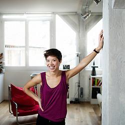 Portrait de Claire Tran pour son book de comedienne. Paris, 3 decembre 2009. Photo : Antoine Doyen