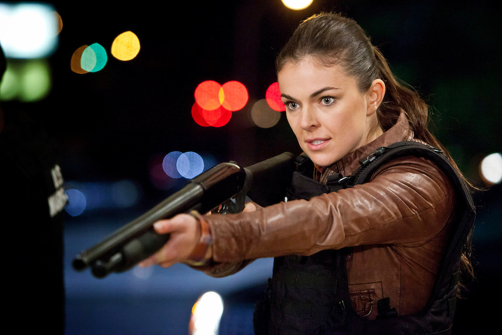 In this episode of Breakout Kings, Erica has the bad guys covered. Nobody's going anywhere.  Photo: Skip Bolen / A&E Television Networks