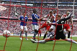 30-04-2011 VOETBAL: BAYERN MUNCHEN - FC SCHALKE 04: MUNCHEN<br /> Tor zum 2-1 durch Thomas Mueller (Bayern #25) <br /> ***NETHERLANDS ONLY***<br /> ©2011- FotoHoogendoorn.nl-nph/ Straubmeier