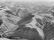 9969-2203. Glimpse of the Deschutes River canyon, Oregon. October 22, 1935.