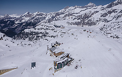 THEMENBILD - das Berghotel Rudolfshütte am Skigebiet Weißsee Gletscherwelt im Frühling bei Sonnenschein, aufgenommen am 19. April 2019 in Uttendorf, Oesterreich // the Berghotel Rudolfshütte at the skiing area Weißsee Glacier World in spring with sunshine in Uttendorf, Austria on 2019/04/19. EXPA Pictures © 2019, PhotoCredit: EXPA/ JFK