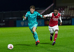 LONDON, ENGLAND - Friday, October 30, 2020: Liverpool's Conor Bradley (L) and Arsenal's captain Folarin Balogun during the Premier League 2 Division 1 match between Arsenal FC Under-23's and Liverpool FC Under-23's at Meadow Park. Liverpool won 1-0. (Pic by David Rawcliffe/Propaganda)