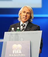 Fotball<br /> FIFA<br /> 31.05.2007<br /> Foto: imago/Digitalsport<br /> NORWAY ONLY<br /> <br /> Prof. Dr. Jiri Dvorak (Schweiz), Medizinischer Direktor der FIFA, während des 57. FIFA Kongresses am Rednerpult