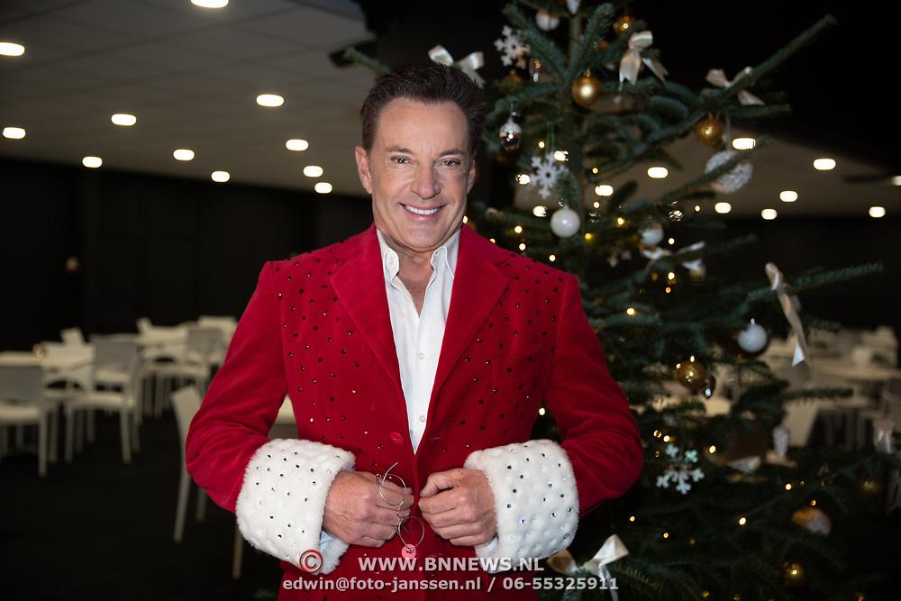 NLD/Zwolle/20191218 - Maxima bij Kerst Muziekgala 2019, Gerard Joling