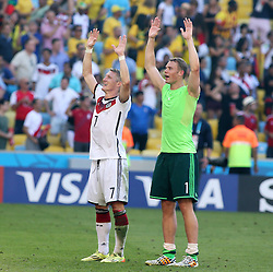 04.07.2014, Maracana, Rio de Janeiro, BRA, FIFA WM, Frankreich vs Deutschland, Viertelfinale, im Bild Manuel Neuer, right, and Bastian Schweinstiger, right, celebrates Germany victory 1-0, to France // during quarterfinals between France and Germany of the FIFA Worldcup Brazil 2014 at the Maracana in Rio de Janeiro, Brazil on 2014/07/04. EXPA Pictures © 2014, PhotoCredit: EXPA/ Eibner-Pressefoto/ Cezaro<br /> <br /> *****ATTENTION - OUT of GER*****