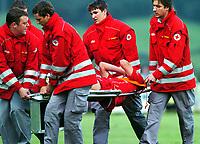 Fotball<br /> Treningskamp 19.07.2005<br /> Stuttgart v Siena<br /> Foto: Gepa/Digitalsport<br /> NORWAY ONLY<br /> <br /> Den verletzten Daniel Bierofka (VFB)