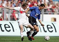 Fotball<br /> Tyskland 2004/05<br /> Bundesliga<br /> Stuttgart v Hamburger SV<br /> 11. september 2004<br /> Foto: Digitalsport<br /> NORWAY ONLY<br /> Aliaksandr Hleb, Khalib Boulahrouz