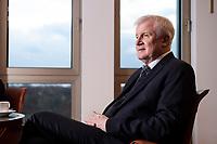 10 DEC 2016, BERLIN/GERMANY:<br /> Horst Seehofer, CSU, Bundesinnenminister, waehrend einem Interview, in seinem Buero, Bundesinnenministerium<br /> IMAGE: 20181210-02-018<br /> KEYWORDS; Büro
