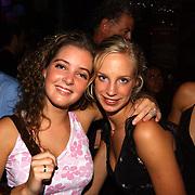 Miss Nederland 2003 reis Turkije, Leonie Klip en Margriet Landsman