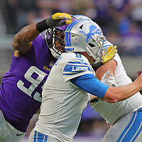 MINNEAPOLIS, MN - NOVEMBER 4: Danielle Hunter #99 of the Minnesota Vikings sacks Matthew Stafford #9 of the Detroit Lions in the fourth quarter at U.S. Bank Stadium on November 4, 2018 in Minneapolis, Minnesota. (Photo by Adam Bettcher/Getty Images) *** Local Caption *** Danielle Hunter; Matthew Stafford