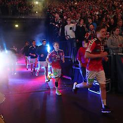Hamburg, 26.12.16, Sport, Handball, Weltrekordspiel, 3. Liga Nord, Saison 2016/2017, Handball Sport Verein Hamburg - DHK Flensborg : EInlauf<br /> <br /> Foto © PIX-Sportfotos *** Foto ist honorarpflichtig! *** Auf Anfrage in hoeherer Qualitaet/Aufloesung. Belegexemplar erbeten. Veroeffentlichung ausschliesslich fuer journalistisch-publizistische Zwecke. For editorial use only.