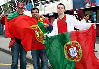 GEPA-0706081207 - GENF,SCHWEIZ,07.JUN.08 - FUSSBALL - UEFA Europameisterschaft, EURO 2008, Portugal vs Tuerkei, POR vs TUR. Bild zeigt Portugal Fans. Keyword: Fahne.<br />Foto: GEPA pictures/ Walter Luger