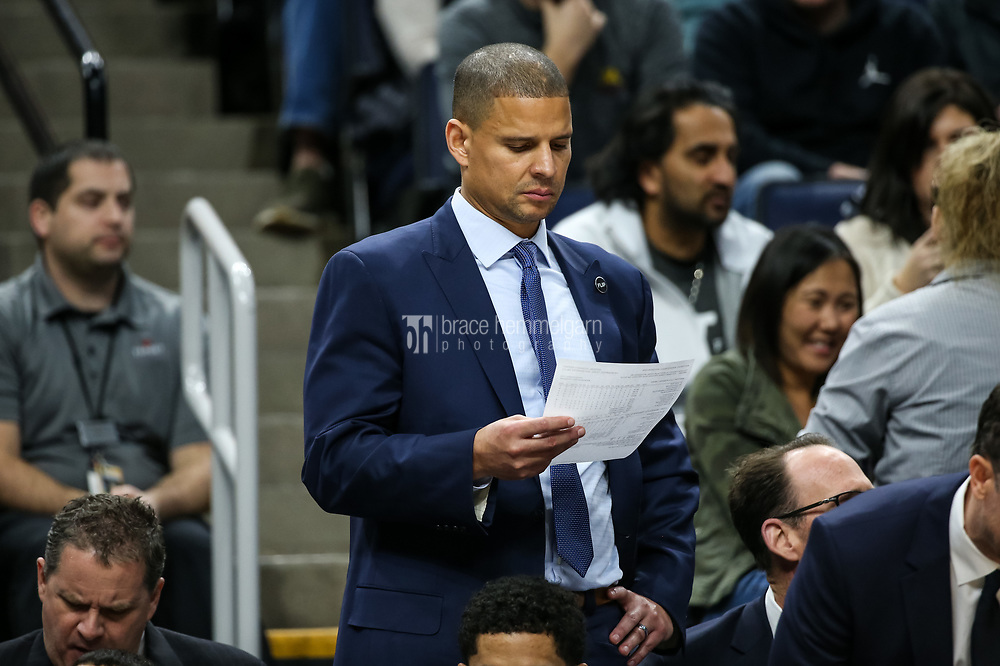 Feb 15, 2018; Minneapolis, MN, USA; Los Angeles Lakers assistant coach Miles Simon during a game between the Minnesota Timberwolves and Los Angeles Lakers at Target Center. Mandatory Credit: Brace Hemmelgarn-USA TODAY Sports
