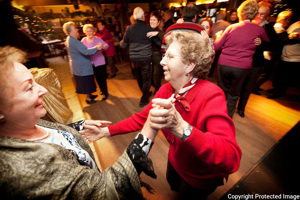 375783-reportage over Dancing De Dry Eycken in Herelst-dansnamiddag-Foto's Joren De Weerdt-JDW