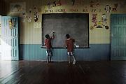 Brazil, Taparabu, frontiere franco-bresilienne, Amapa.<br /> <br /> Taparabu, communaute de pecheurs dependant d'Oiapoque. Ecole.