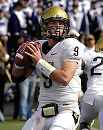 MANHATTAN, KS - OCTOBER 24:  Quarterback Tyler Hansen #9 of the Colorado Buffaloes drops back to pass during a game against the Kansas State Wildcats on October 24, 2009 at Bill Snyder Family Stadium in Manhattan, Kansas.  (Photo by Peter G. Aiken/Getty Images)