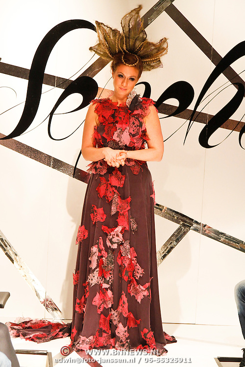 NLD/Amsterdam/20120126 - AFW winter 2012 - Modeshow Sepehr Maghsoudi, Jessica Mendels