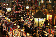 Covent Garden Christmas Market, one of the main tourist places for shopping in central London during the Christmas period, on Tuesday, Dec. 21, 2004.  **ITALY OUT**