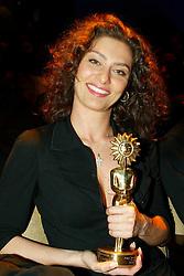Maria Fernanda Candido durante premiação para os melhores do cinema brasileiro no 31 Festival de Cinema de Gramado. FOTO : Jefferson Bernardes/Preview.com