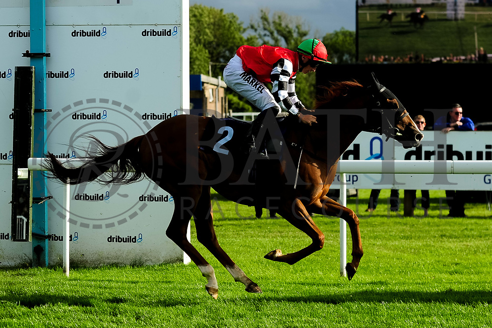 Prince Rock ridden by Tom Marquand and trained by Simon Dow in the Kingstone Press Apple Maiden Handicap (Class 6) race.  - Ryan Hiscott/JMP - 17/08/2019 - PR - Bath Racecourse - Bath, England - Race Meeting at Bath Racecourse