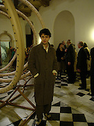 Conrad Shawcross. private view for Continuum by Conrad Shawcross. Queen's House. National Maritime Museum. Greenwich. 17 December 2004. ONE TIME USE ONLY - DO NOT ARCHIVE  © Copyright Photograph by Dafydd Jones 66 Stockwell Park Rd. London SW9 0DA Tel 020 7733 0108 www.dafjones.com