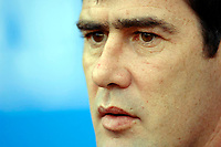 Photo: Daniel Hambury.<br />Reading v Luton Town. Coca Cola Championship.<br />03/12/2005.<br />Luton's manager Mike Newell.