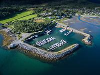 Bjerkvik båtforening har småbåthavn innerst i Herjangsfjorden cirka 800 meter fra Bjerkvik sentrum.
