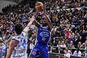 DESCRIZIONE : Campionato 2014/15 Serie A Beko Dinamo Banco di Sardegna Sassari - Acqua Vitasnella Cantu'<br /> GIOCATORE : DeQuan Jones<br /> CATEGORIA : Tiro<br /> SQUADRA : Acqua Vitasnella Cantu'<br /> EVENTO : LegaBasket Serie A Beko 2014/2015<br /> GARA : Dinamo Banco di Sardegna Sassari - Acqua Vitasnella Cantu'<br /> DATA : 28/02/2015<br /> SPORT : Pallacanestro <br /> AUTORE : Agenzia Ciamillo-Castoria/L.Canu<br /> Galleria : LegaBasket Serie A Beko 2014/2015