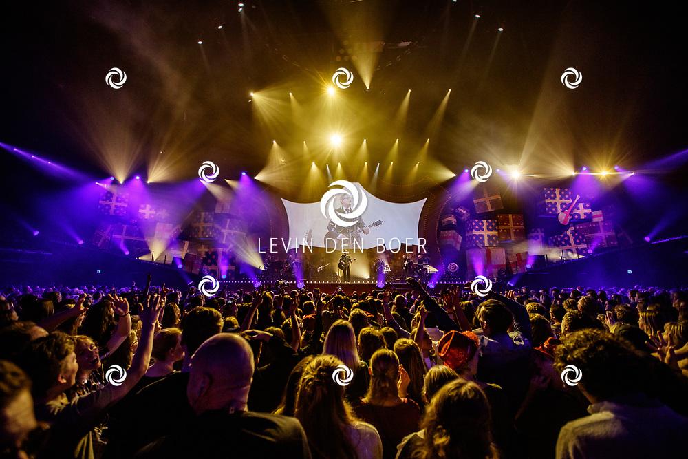 AMSTERDAM - In de Ziggo Dome treed Guus Meeuwis op met zijn concert Groots met een zachte G Wintereditie. FOTO LEVIN & PAULA PHOTOGRAPHY VOF