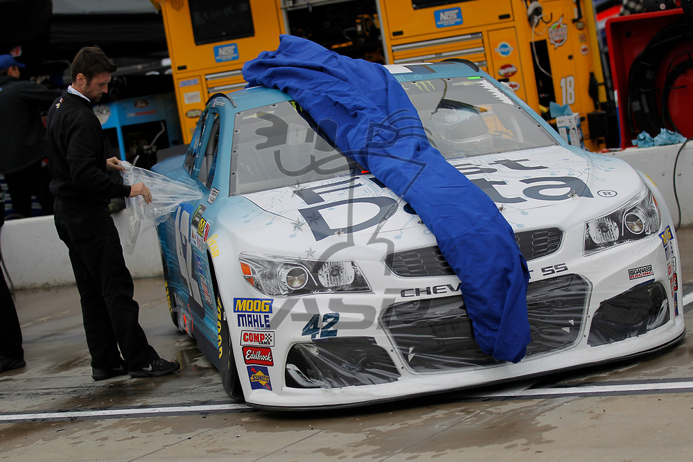 October 29, 2017 - Martinsville, Virginia, USA: Kyle Larson (42) crew member unveils his car before qualifying for the First Data 500 at Martinsville Speedway in Martinsville, Virginia.