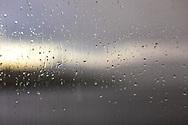 VILDMARKSVÄGEN JULI 2020<br /> När det spöregnar ute är man glad att man valde stuga istället för tält. Camp Stora Blåsjön.<br /> Foto: Per Danielsson/Projekt.P