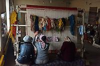 Ouzbekistan, region de Fergana, Marguilan, fabrique de tapis en laine // Uzbekistan, Fergana region, Marguilan, wool carpet workshop