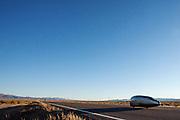 De PulsaR van Policumbent, het team van de universiteit van Turijn. In Battle Mountain (Nevada) wordt ieder jaar de World Human Powered Speed Challenge gehouden. Tijdens deze wedstrijd wordt geprobeerd zo hard mogelijk te fietsen op pure menskracht. Ze halen snelheden tot 133 km/h. De deelnemers bestaan zowel uit teams van universiteiten als uit hobbyisten. Met de gestroomlijnde fietsen willen ze laten zien wat mogelijk is met menskracht. De speciale ligfietsen kunnen gezien worden als de Formule 1 van het fietsen. De kennis die wordt opgedaan wordt ook gebruikt om duurzaam vervoer verder te ontwikkelen.<br /> <br /> The PulsaR of policumbent, the team of the university of Turin. In Battle Mountain (Nevada) each year the World Human Powered Speed Challenge is held. During this race they try to ride on pure manpower as hard as possible. Speeds up to 133 km/h are reached. The participants consist of both teams from universities and from hobbyists. With the sleek bikes they want to show what is possible with human power. The special recumbent bicycles can be seen as the Formula 1 of the bicycle. The knowledge gained is also used to develop sustainable transport.